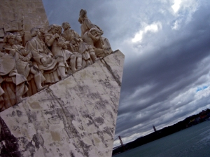 """Típico monumento """"sacaperras"""" de capital de país"""