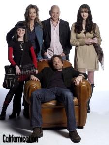 De izquierda a derecha: Becca, Karen, Charlie y Mia. Todos los quebraderos de cabeza de Hank Moody